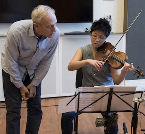 Hank Dutt with violinist Clara Kim from Argus Quartet during Carnegie Hall Weill Institute Workshop photo by Stefan Cohen